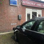 Laden electrische auto autobedrijf Karel Hol Gemert